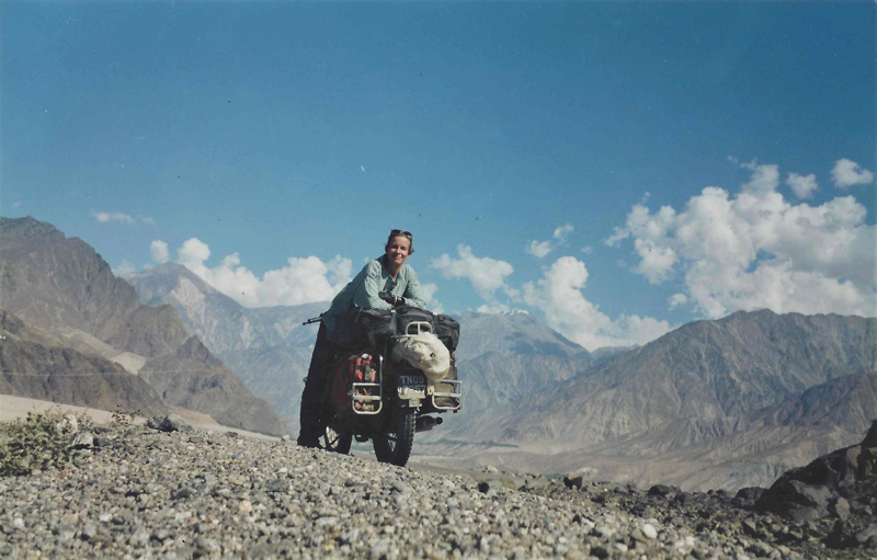 Jacqui travelled the world for seven years with her faithful machine (The travels of Jacqui Furneaux)